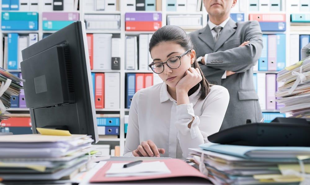 Evita il micro-management (desiderio di controllare compulsivamente le attività dei tuoi collaboratori)